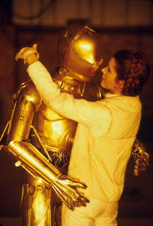 kissing-threepio
